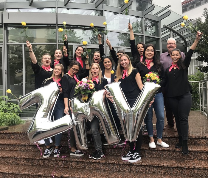 Zahnmedizinische-Verwaltungsassistentinnen bei der ZMV-Feier im ZFZ Stuttgart