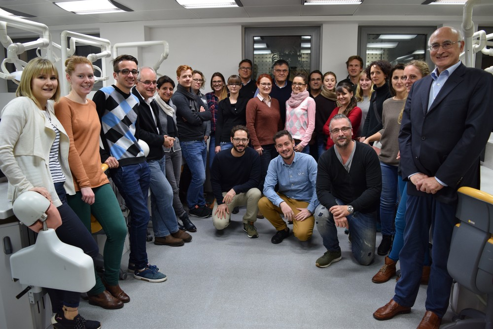 Gruppenfoto vom Endodontie-Curriculum 2017 im ZFZ Stuttgart
